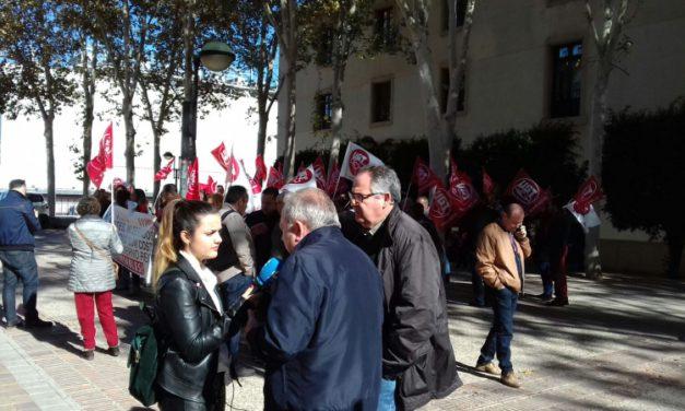 Trabajadores y trabajadoras del 112 se manifiestan por el deterioro de sus condiciones laborales